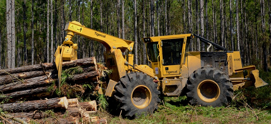 Tigercat 610E skidder